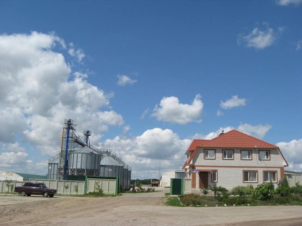 Альбом: Вітаємо нашого фермера Ісіченка В'ячеслава Тимофійовича із професійним святом, Днем працівників сільського господарства!