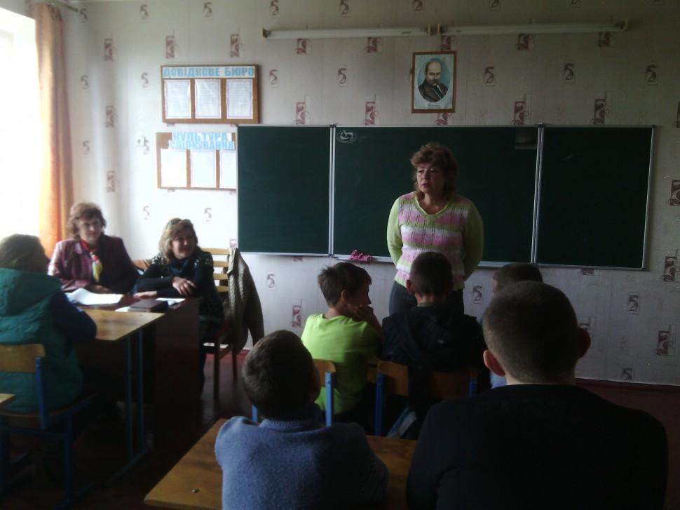 Альбом: 11 травня в НВК працював виїзний лекторій районних служб.